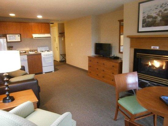 The Wayside Inn: Room 209