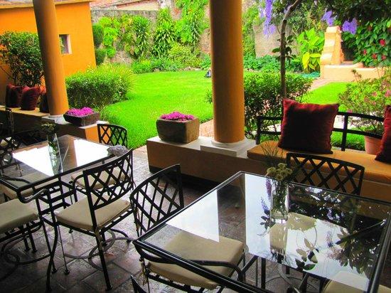 Casa Santa Rosa Hotel Boutique: Área para degustar un buen café.
