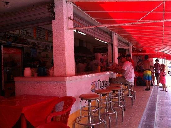 El Chino Marinero: outside seating