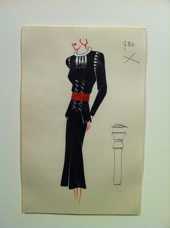 Museo Cristóbal Balenciaga: Original sketches - artworks in themselves