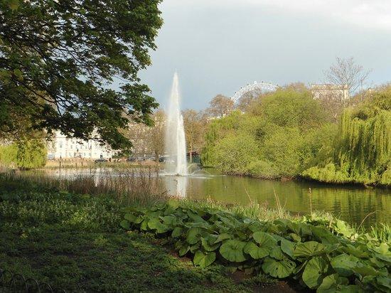 Foto de parque de st james londres lagos artificiales for Plasticos para lagos artificiales
