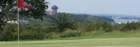 Tanglewood Resort and Conference Center : 9th hole overlooking lake and resort, beautiful view