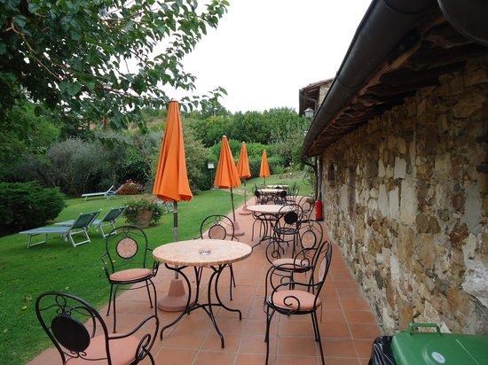 Hotel Colle Etrusco Salivolpi: Terrace
