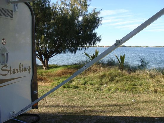 Broadwater Tourist Park: Right on the water!