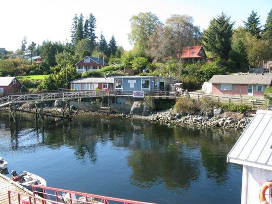 Lady Rose Marine Services: Bamfield West dock