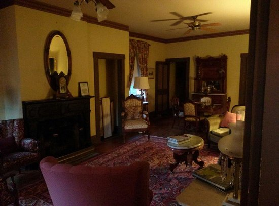 1880 Newbury House at Historic Rugby: Newbury parlor