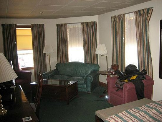 The Pollard: What a great room after a 600 mi. day on the cycle!