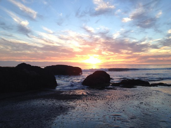 The Morgan at San Simeon: Sunset from the beach