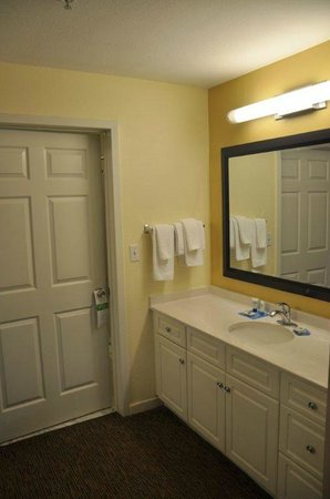 HYATT house Miami Airport: Baño