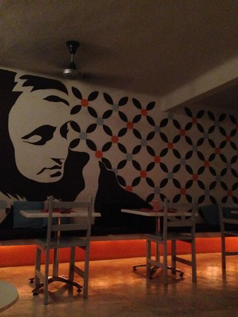 Teetotum Hotel: Lounge