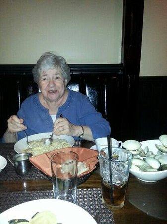 Sabatino's Trattoria: spaghetti and clam sauce