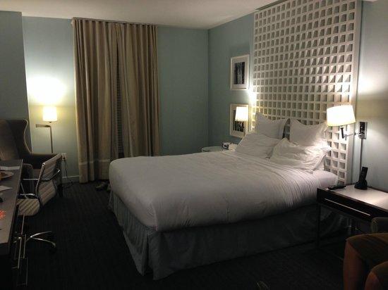 Kimpton Lorien Hotel & Spa: Comfortable bed