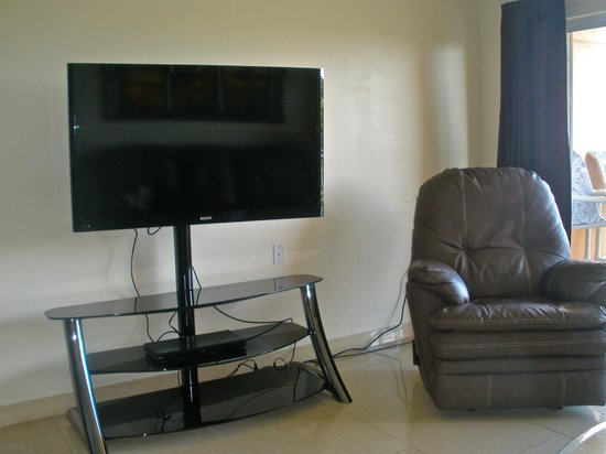 big flat screen tv in living room picture of paradise beach club rh tripadvisor com flat screen tv designs in living rooms Living Room with Flat Screen TV