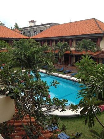 Masa Inn : Main Pool