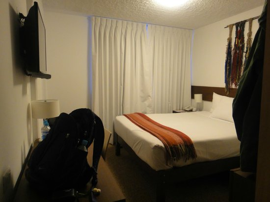 Tierra Viva Puno Plaza Hotel : King sized bed
