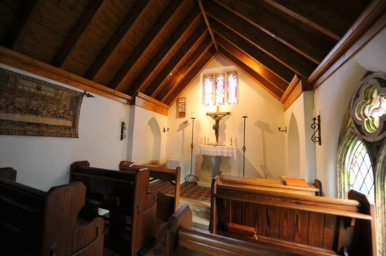 Mappleborough Green, UK: The tiny chapel