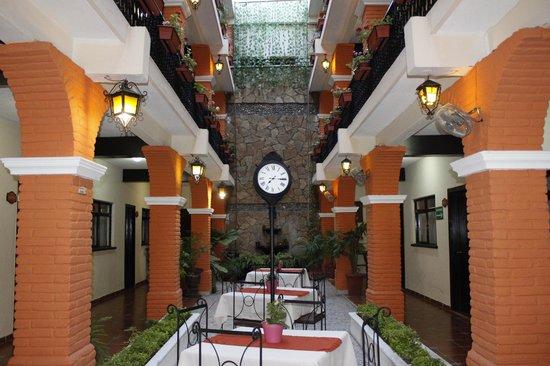 Hotel Del Carmen: Area Interna del Hotel con Internet de Alta Velocidad