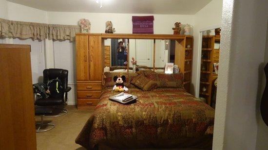 The Bear's Den B&B: Schlafzimmer