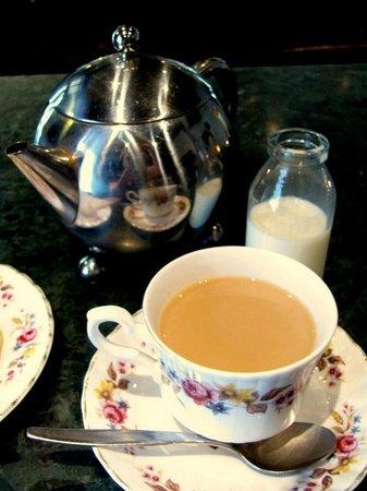 Postmaster's Residence : Real Teas
