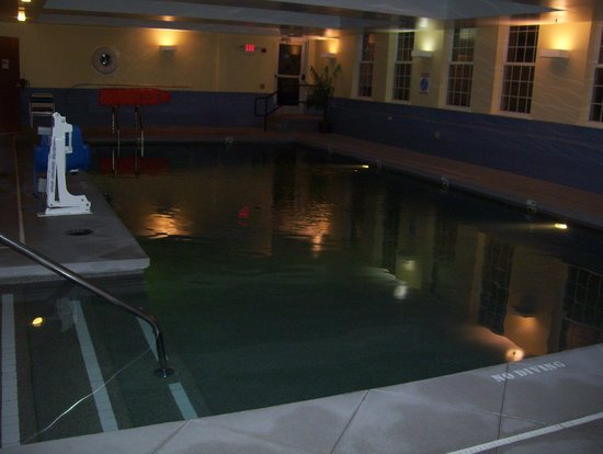 La Quinta Inn & Suites St. Albans: pool