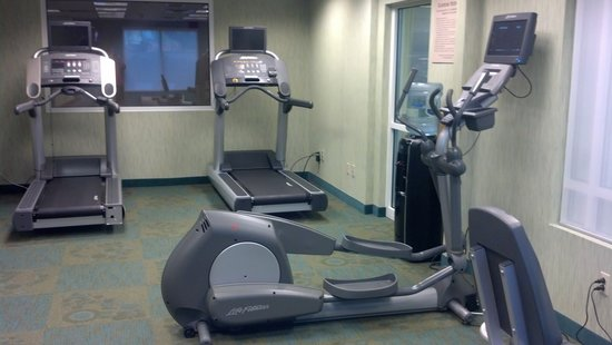 SpringHill Suites Pittsburgh Monroeville : LifeFitness commercial grade treadmills