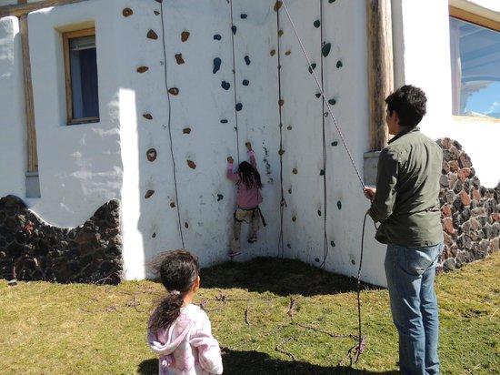Hacienda Los Mortinos: Climbing wall