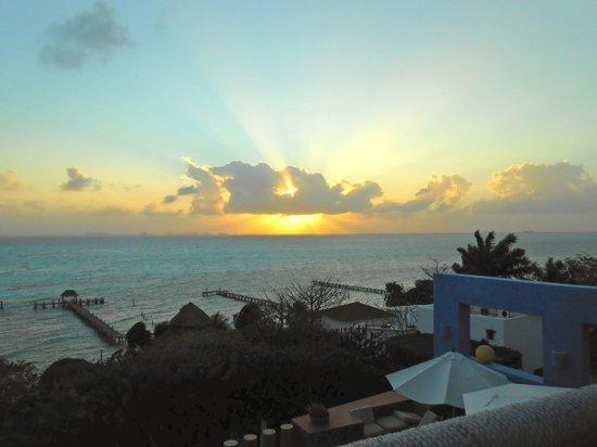 Casa de los Suenos: A sunset view from the balcony.