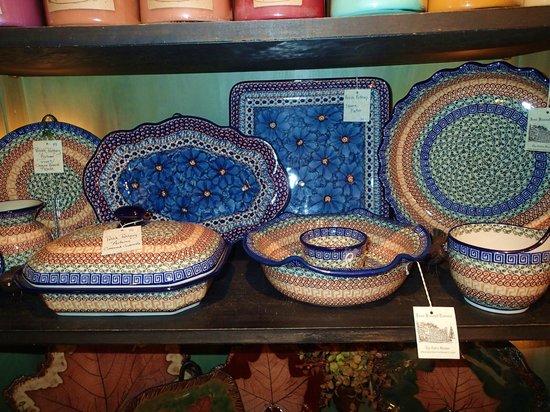 Jean Bonnet Tavern: cute pottery in shop