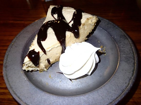Jean Bonnet Tavern: peanut butter pie .. good