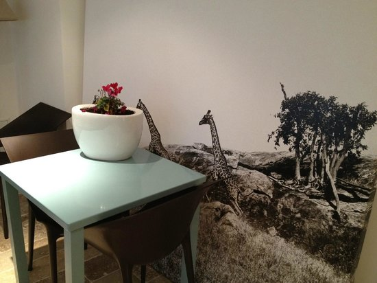 L'Autre Maison : dinning area mural - cool - ultra modern - super clean
