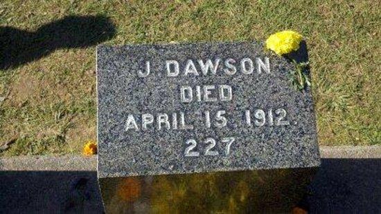 Fairview Lawn Cemetery: The grave of J. Dawson