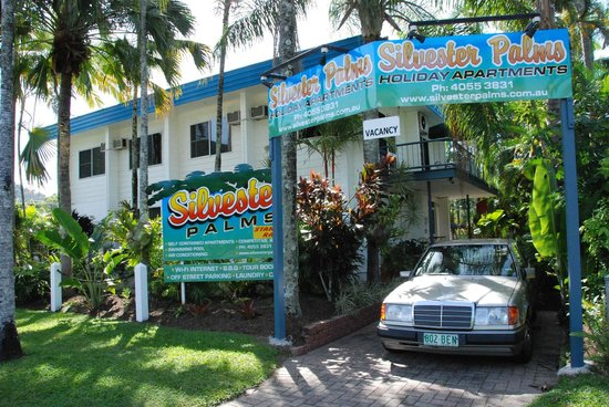 Silvester Palms Holiday Apartments: Entrance