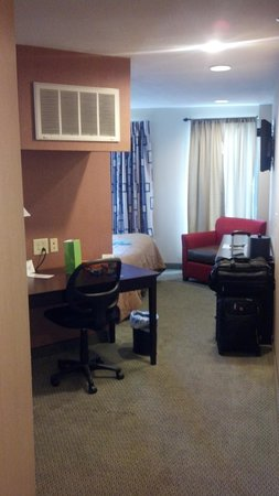 Comfort Inn & Suites: Nice clean King room