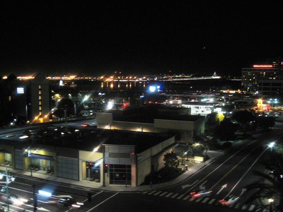 HYATT house Emeryville / San Francisco Bay Area: View at Night