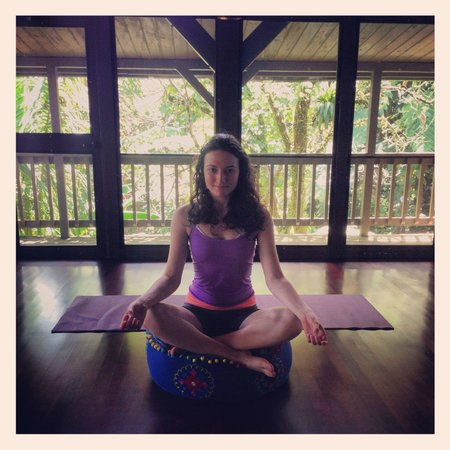 Rainforest Inn: Enjoying the yoga room!