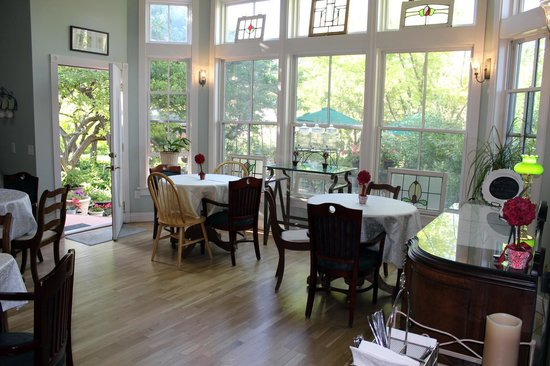 The Iron Gate Inn: Breakfast room