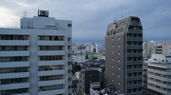 Hotel Sunroute Higashi Shinjuku: View from 9th Floor Room