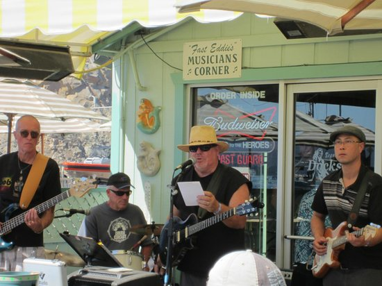 Estero Inn : The Lenny Blue Band