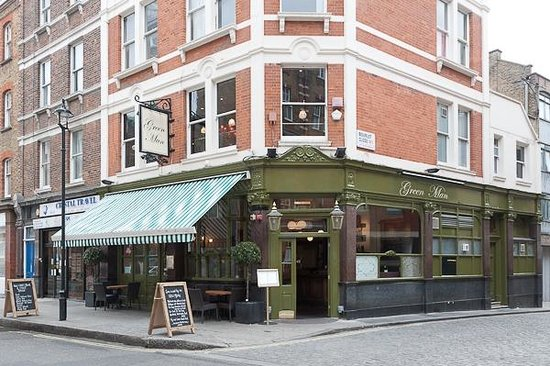 The Green Man Cider House & Kitchen: Outside the Green Man Cider House and Kitchen pub in Marylebone