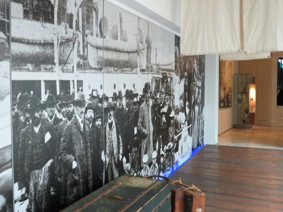 South African Jewish Museum: Picture on wall