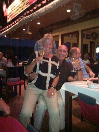 Luna Pub Danang: Jan& ria.