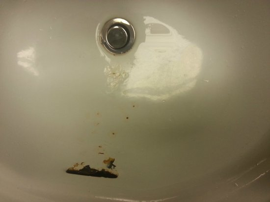 Red Roof Inn Danville: Disgusting Sink