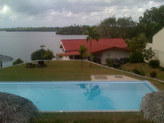 Kalla Bongo Lake Resort: View of Pool and Lagoon from Balcony