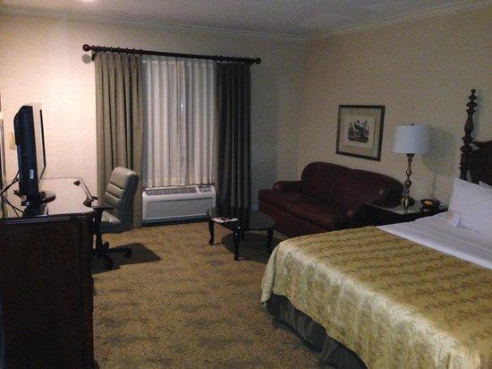 Ayres Hotel & Suites in Costa Mesa - Newport Beach: bedroom