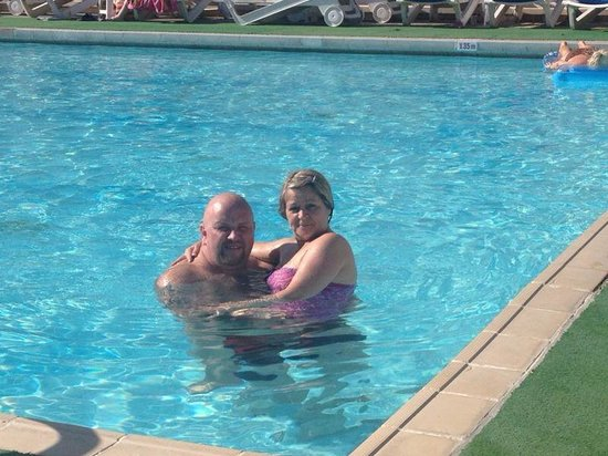 Kissos Hotel : In the pool with the wife