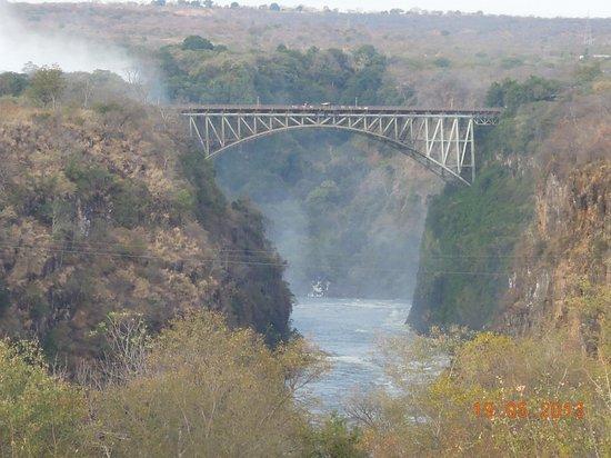 Ilala Lodge: View of Victoria Falls Bridge from Victoria Falls Hotel