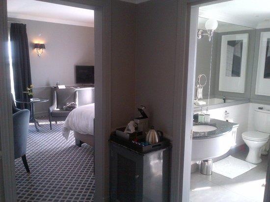 54 on Bath: Room when walking in