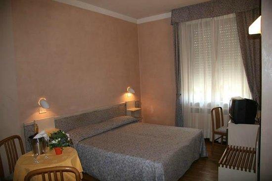 Hotel Tino Massalombarda