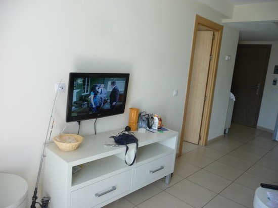 Hotel Revoli: living room + TV