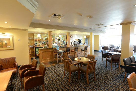 Park Farm Hotel: Bar conservatory area
